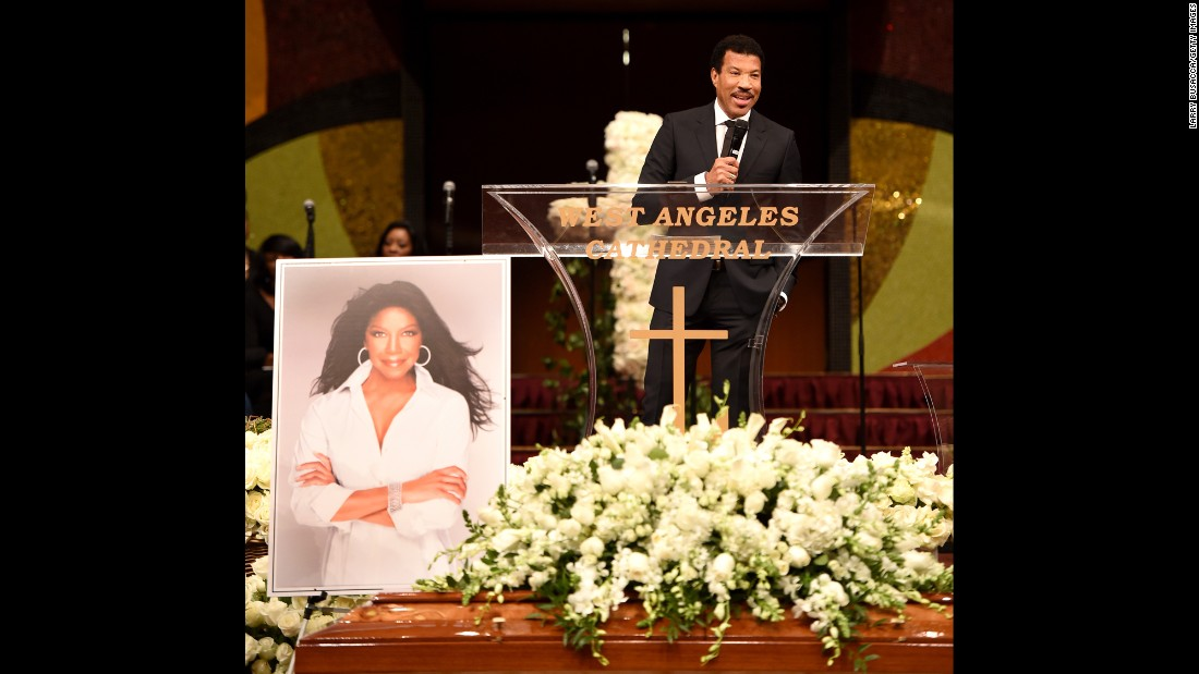 Lionel Richie speaks during the service.