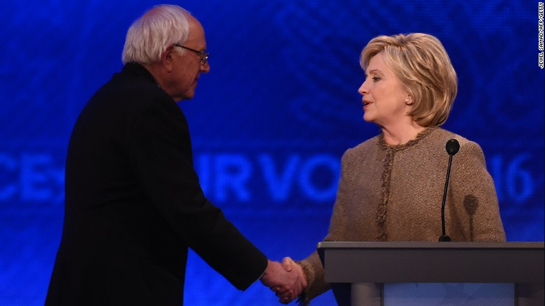 Clinton, Sanders spar ahead of Iowa caucuses