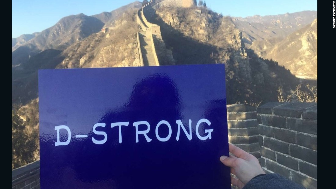 """Other Internet users quickly followed suit. This, from Weibo user """"Woaidashuai,"""" is also taken at the Great Wall near Beijing."""