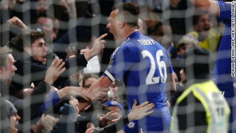 John Terry scores controversial equalizer for Chelsea against Everton