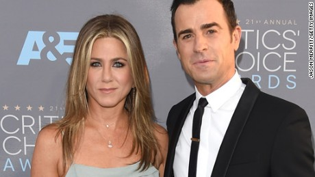 SANTA MONICA, CA - JANUARY 17:  Actors Jennifer Aniston (L) and Justin Theroux attend the 21st Annual Critics' Choice Awards at Barker Hangar on January 17, 2016 in Santa Monica, California.  (Photo by Jason Merritt/Getty Images)