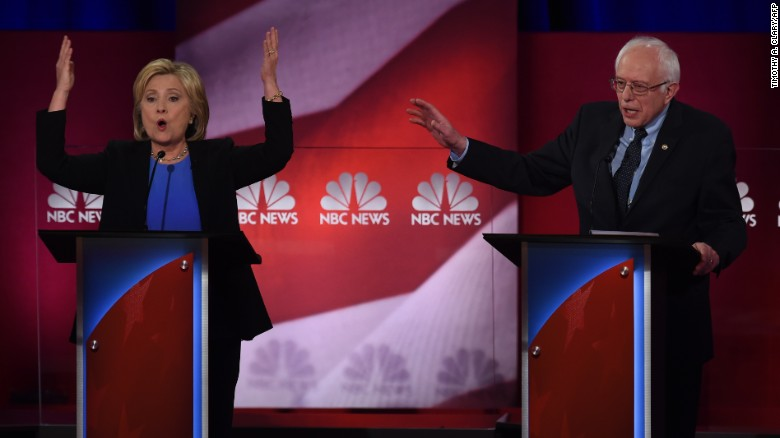 Clinton, Sanders battle for Iowa hearts and minds