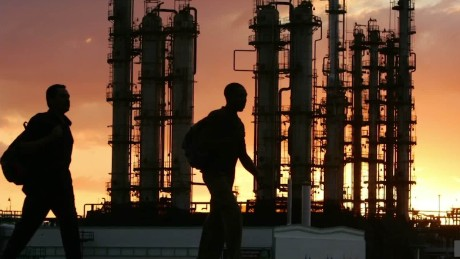 Falling oil prices hit Russia