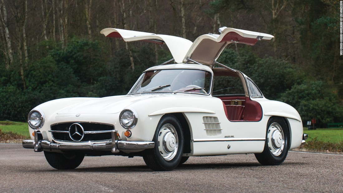 After it was unveiled at the 1954 New York Motor Show, buyers of the Gullwing included Pablo Picasso, the Shah of Iran and Clark Gable. Estimated auction sale price: $1.1 - $1.6 million (€1 - €1.4 million).