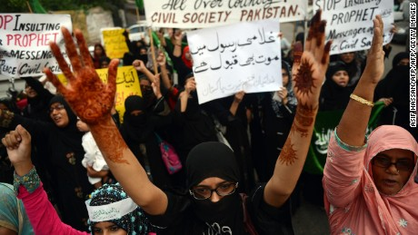 Pakistani women protest 'Innocence of Muslims' in 2012.