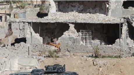 iraq civilians caught in fight lklv damon wrn_00011510