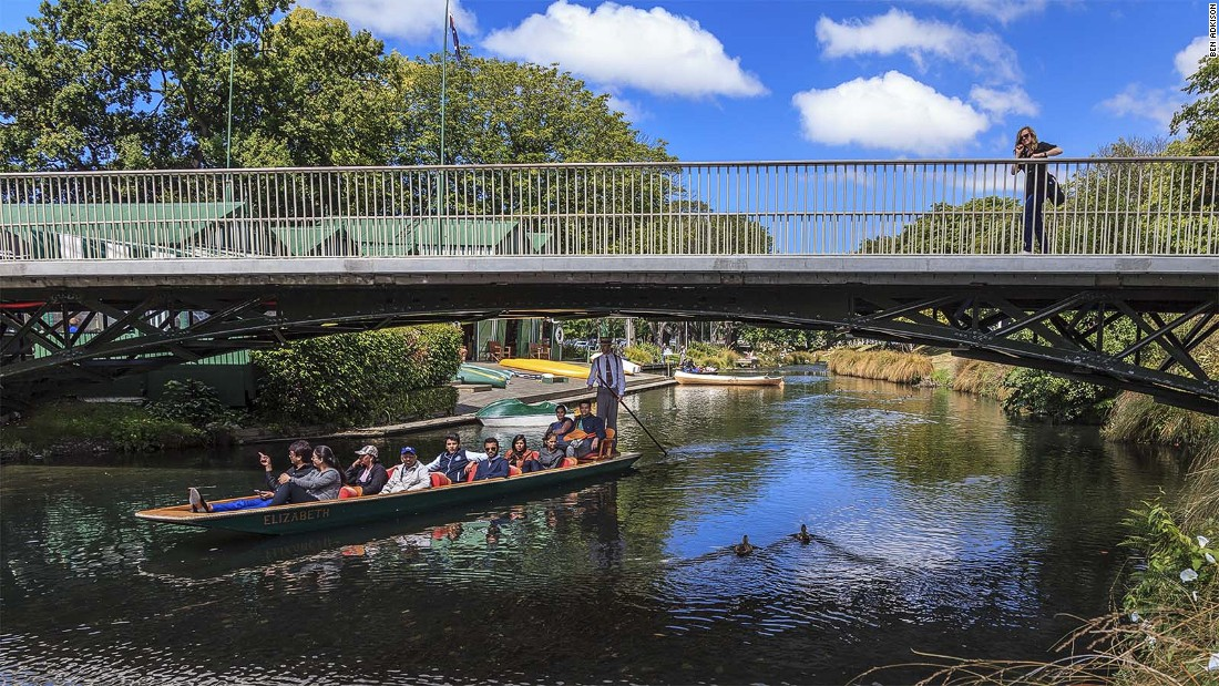 The Avon river winds for nine miles through Hagley Park and the central city. Trips along the river are a popular way to see the park and Botanical Gardens of Christchurch.