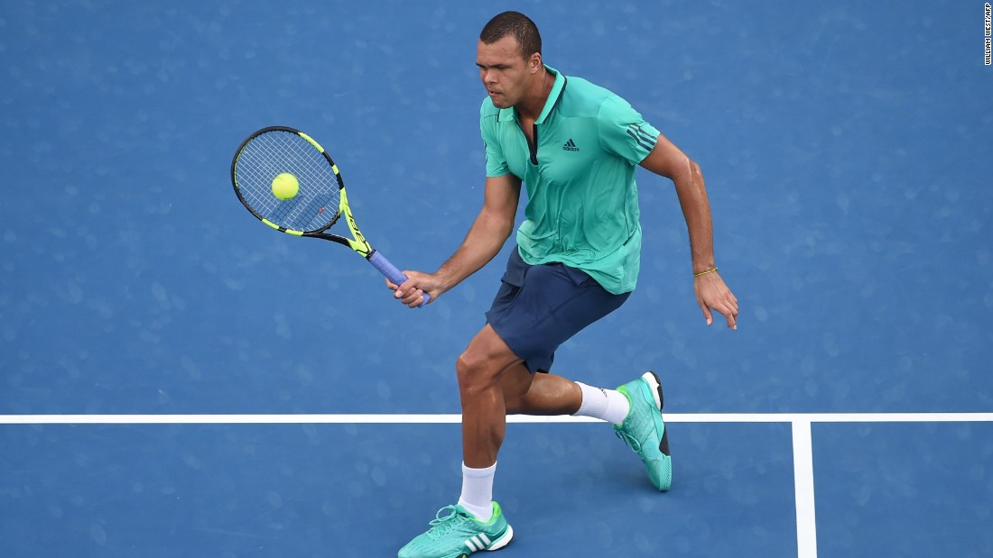 France's Jo-Wilfried Tsonga made light work of Australian opponent Omar Jasika, cruising to the third round  7-5 6-1 6-4.