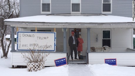 Cut-outs of Donald Trump and Sarah Palin in front of Paul Savage's home.