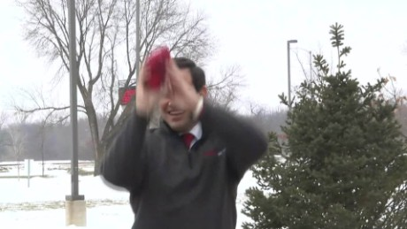 iowa rubio pizza cornhole bad form_00004410