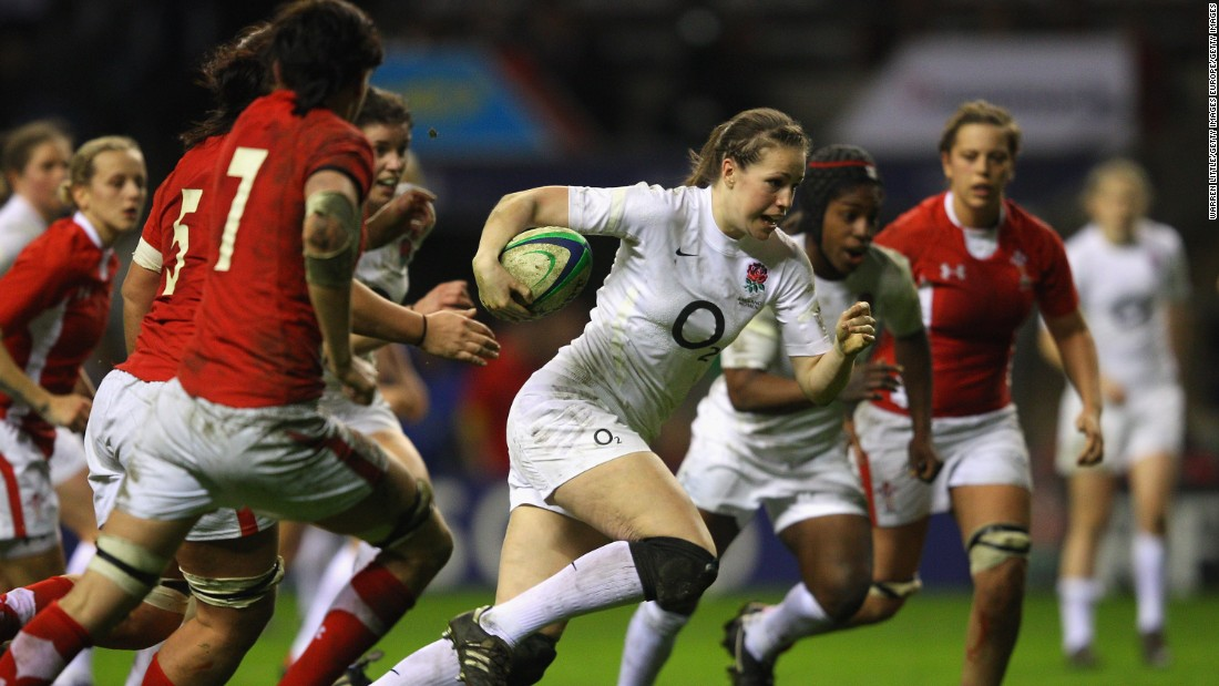 Before going pro, Scarratt worked as an assistant physical education teacher while playing for England in her spare time.