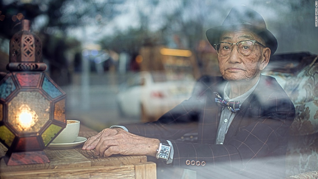 His grandson, Ding Guoliang, who prefers to be called Jesse, told CNN the photos were both a tribute to his grandpa, and a way to raise awareness about caring for the elderly.