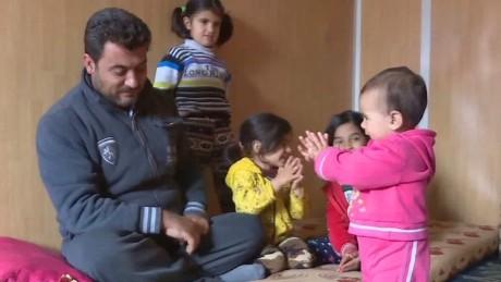 jordan refugee camp karadsheh pkg_00014006