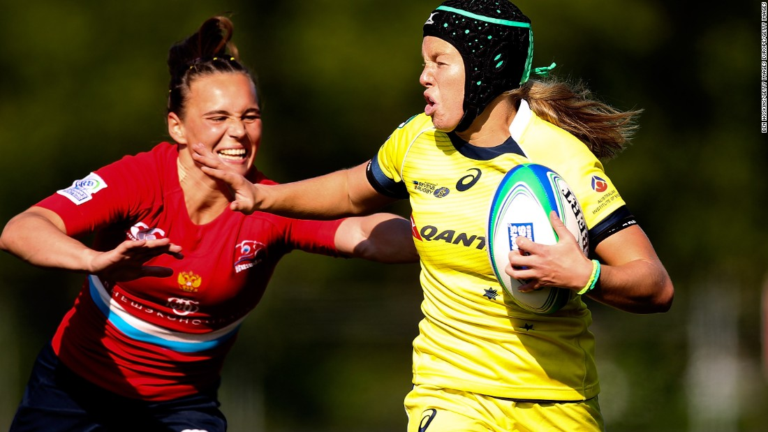 "The former rugby league player made her debut in 2013 and has since caught the eye with a number of superb displays. ""She's very quick,"" Scarratt says of the 20-year-old. ""A  lot of the Australians are from a touch rugby background and play in a way where they're moving you around -- it's very tiring."" <a href=""http://edition.cnn.com/2016/02/11/sport/ellia-green-australia-rugby-sevens/index.html"" target=""_blank"">Read more: Aussie strongwoman lifts teammates</a>"