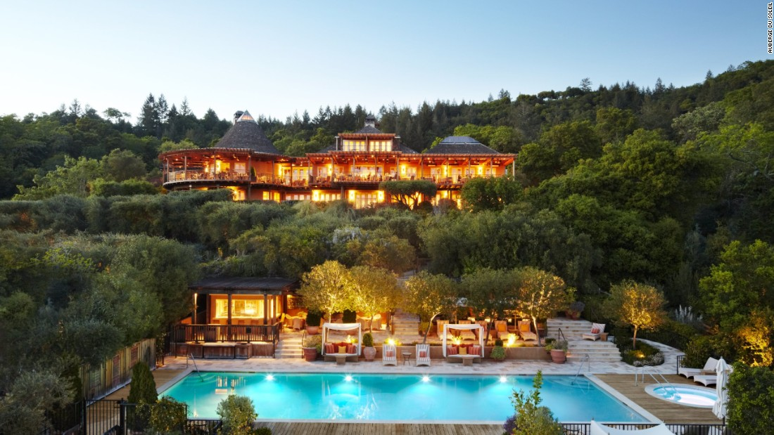Located in California's Napa Valley, Auberge du Soleil helps visitors become one with wine country. Rooms with garden, hillside, valley or private garden views are available. The hotel is No. 10 on U.S. News & World Report's list of the top U.S. luxury hotels for 2016.