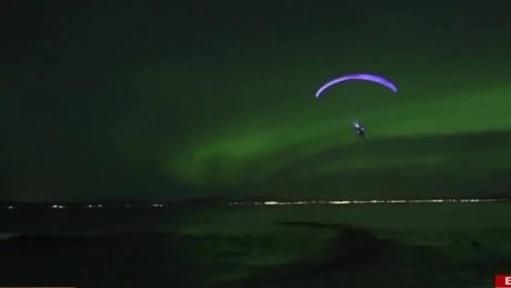 cnnee vo cafe aurora boreal fly sky _00000829