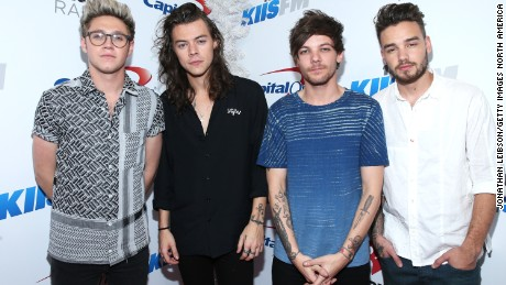 LOS ANGELES, CA - DECEMBER 04:  (L-R) Recording artists Niall Horan, Harry Styles, Louis Tomlinson and Liam Payne of One Direction attend 102.7 KIIS FMs Jingle Ball 2015 Presented by Capital One at STAPLES CENTER on December 4, 2015 in Los Angeles, California.  (Photo by Jonathan Leibson/Getty Images for iHeartMedia)