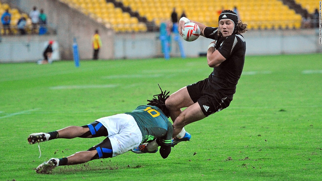 South Africa, which won the previous round in Cape Town in December, rocked the home side from the start and took a 14-0 lead through tries to captain Philip Snyman and Rosko Specman (here tackling Gillies Kaka).
