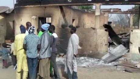boko haram burns village kriel lklv_00001010.jpg