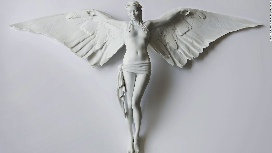British photographer Nick Knight is using 3D printing to change traditional perceptions of photography. He calls this technique Photographic Sculpture.