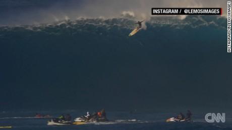 cnnee vo surf en olas de 13 metros_00002721
