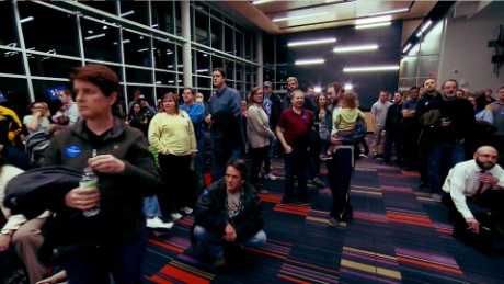iowa caucus voters crowd
