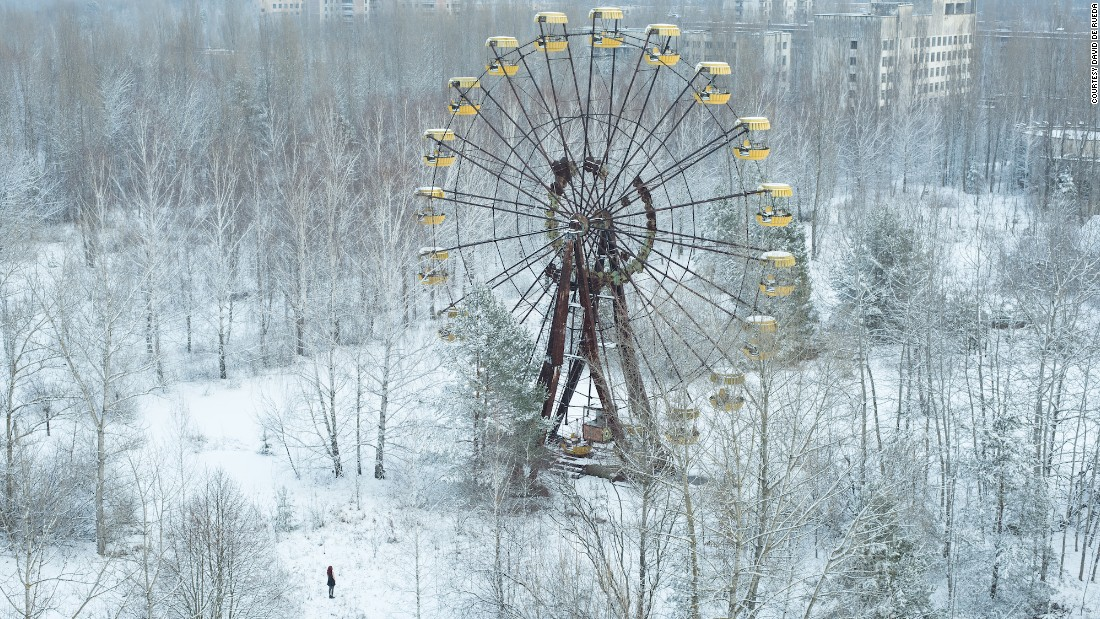 """I asked myself how I could capture the famous Pripyat ferris wheel from a new and original point of view. Luckily, my wish to have some snow was fulfilled, providing a dreamy ambiance that totally changed Pripyat,"" said De Rueda.""Positioning myself on a rooftop next to the wheel, I finally captured the picture I was looking for."""