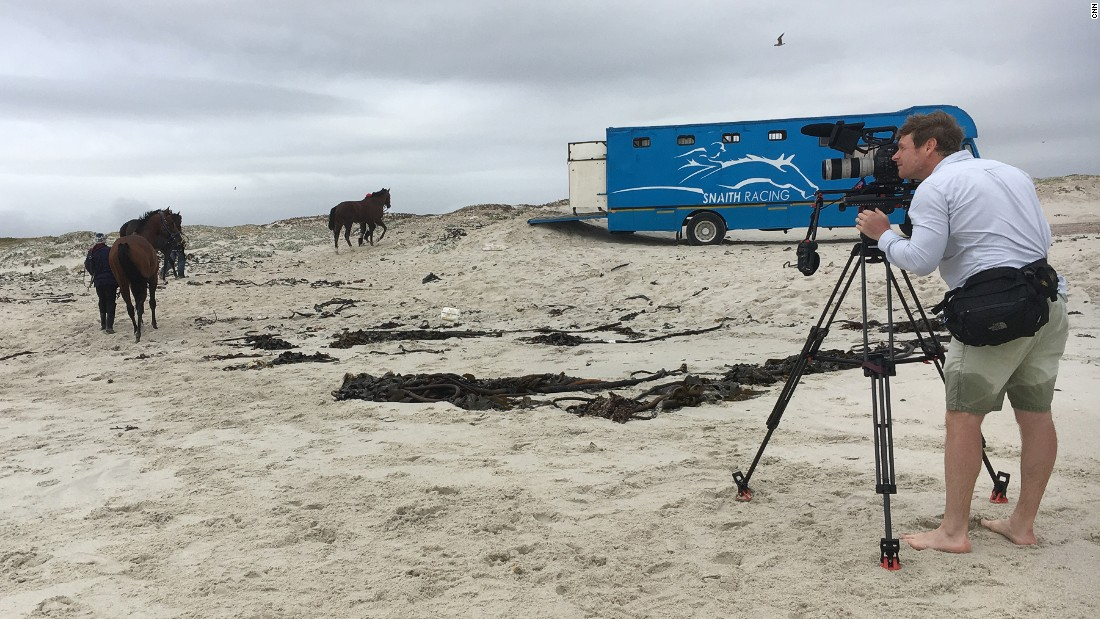 Top trainer Justin Snaith took Aly on a trip to Muizenberg beach where he takes his horses to recharge their batteries.