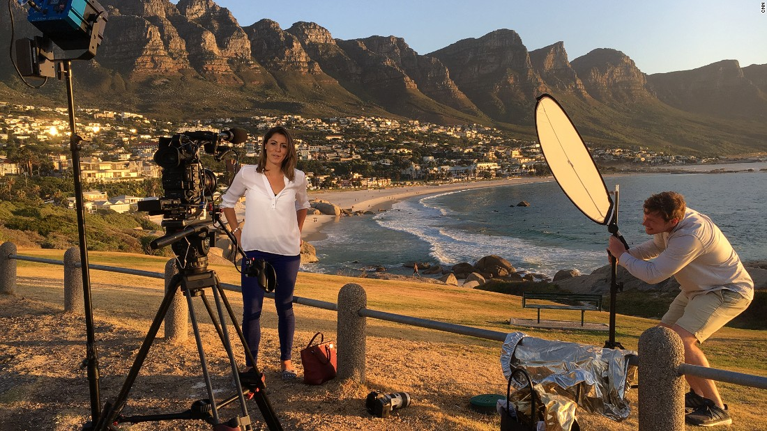 For her first show, Aly visited Cape Town, meeting some of the biggest players in South African horse racing ... while filming links from picture postcard locations.