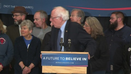 bernie sanders new hampshire faint sot_00000309