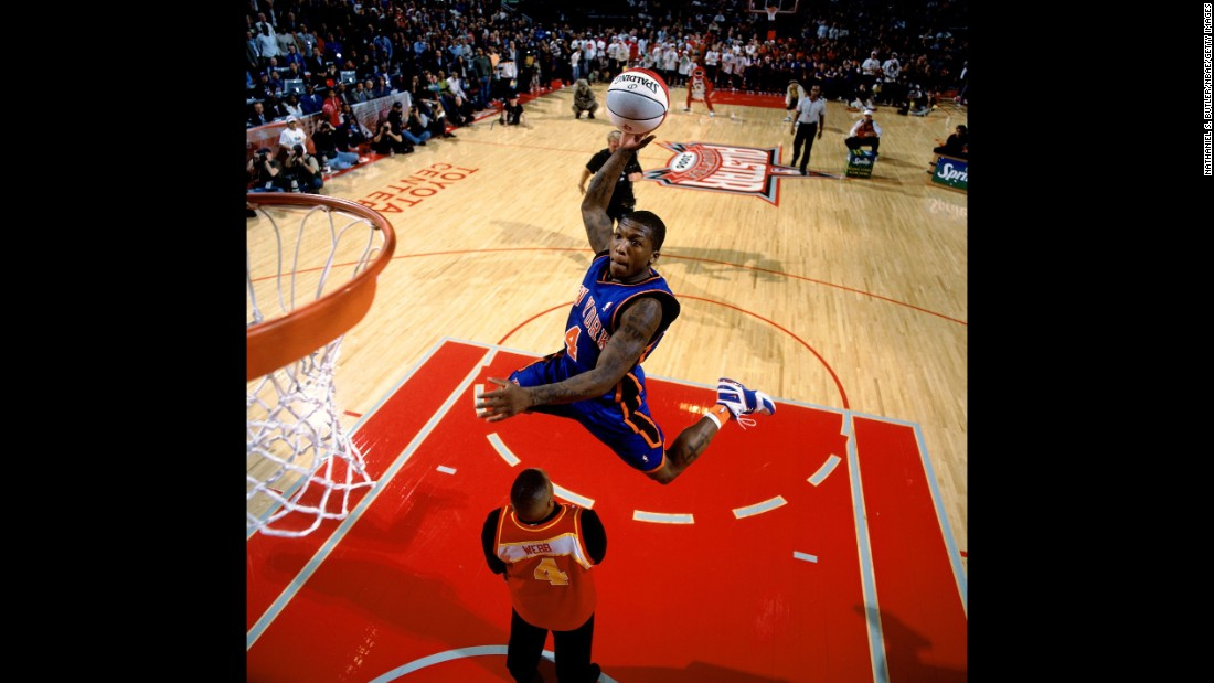 It was shades of Spud Webb as 5-foot-9 Nate Robinson brought the dunk contest back to the little guys. In fact, Robinson jumped over Webb himself to earn a perfect 50.