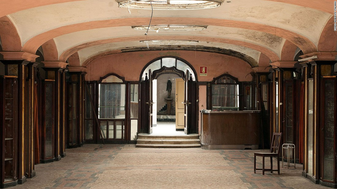 Before the age of modern home plumbing, Milan's high society would meet at the Albergo Diurna Venezia, a beautiful subterranean bath house and spa center, to perform their ablutions.