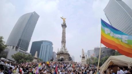 cnnee pkg krupskaia alis francisco papa cambios sociales mexico_00004606