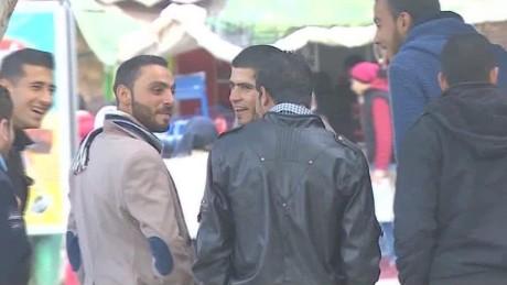syria assad supporters pleitgen pkg_00001925