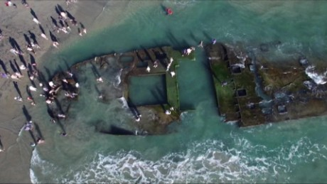 coronado shipwreck reappears on beach pkg _00015528.jpg