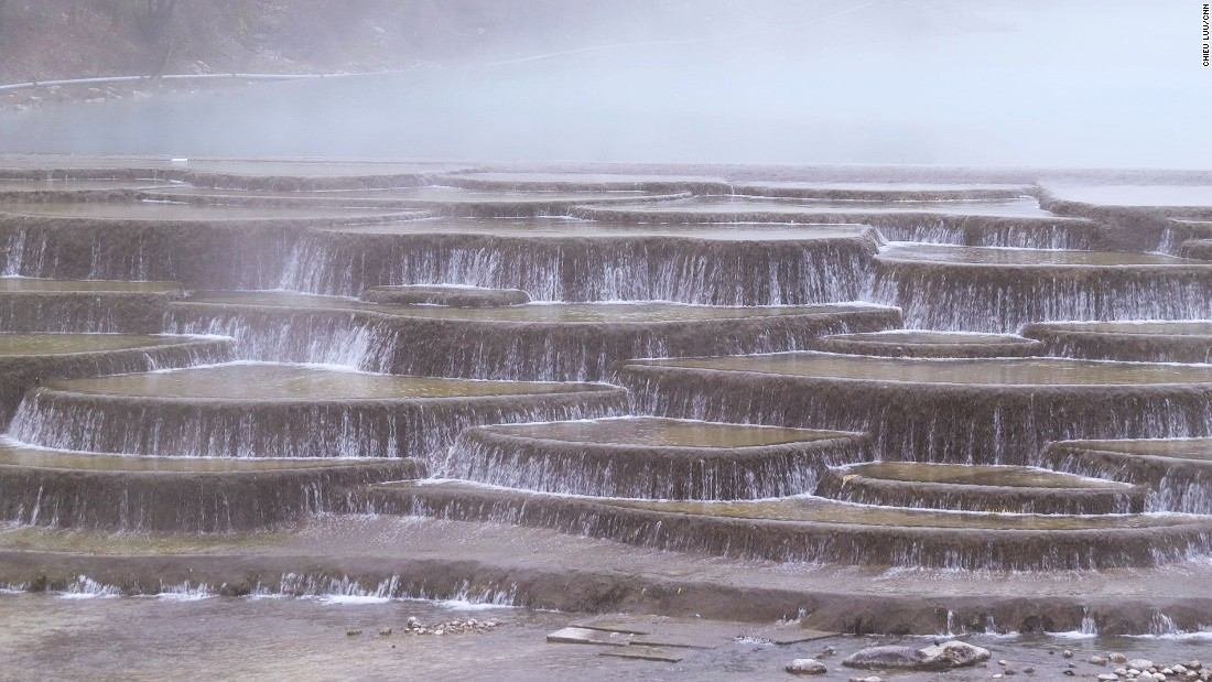 The White Water Terraces are situated at the foothills of Haba Xueshan, a mountain on the northwestern side of Tiger Leaping Gorge.