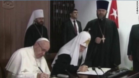 Pope Francis, Patriarch Kirill sign joint pledge