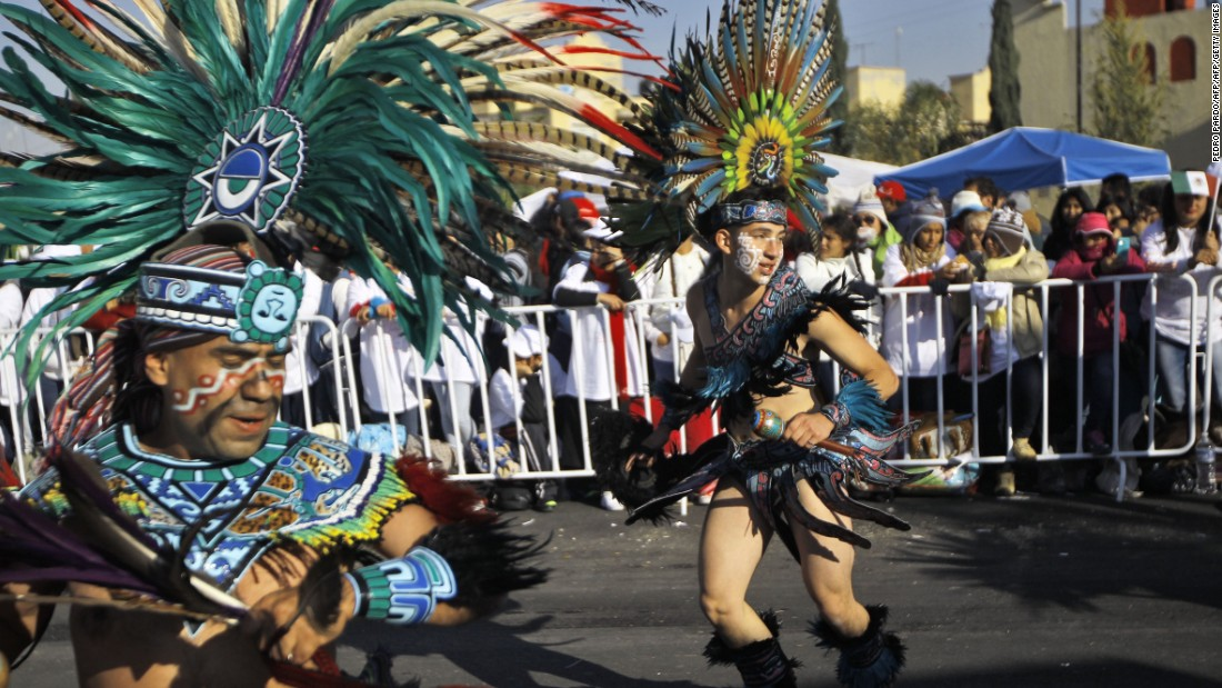 Dancers perform in Ecatepec before the arrival of Pope Francis on February 14.