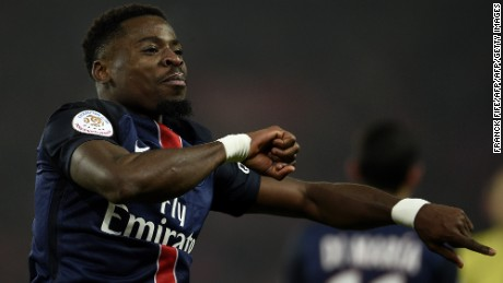 Serge Aurier has offended the coach who signed him at Paris Saint-Germain.