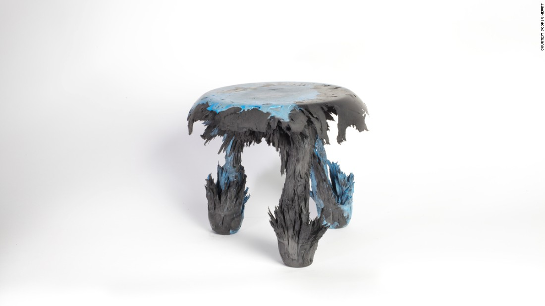 This stool is constructed using resin and iron fillings, and made by playing with gravity.