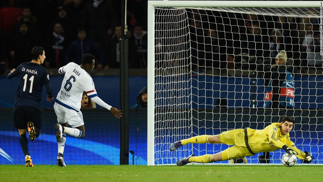 Thibaut Courtois, the Chelsea goalkeeper, was forced into an early save by Marco Verratti after the Italian midfielder had unleashed a fierce effort at goal.
