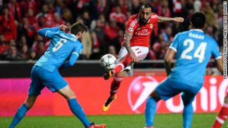 Benfica endured a frustrating night at home to Zenit before netting a late winner