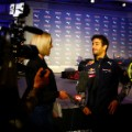daniel ricciardo 2016 car launch