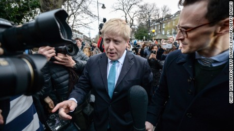 LONDON, ENGLAND - FEBRUARY 21:  Mayor of London Boris Johnson announces that he will be backing the 'Leave EU' campaign whilst speaking to the press outside his London home on February 21, 2016 in London, England. Mr Johnson announced his intentions for the EU referendum and to which campaign he will lend his support.  (Photo by Chris Ratcliffe/Getty Images)