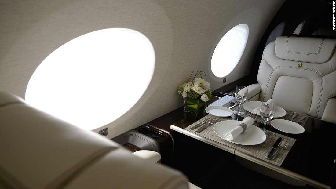 Large oval windows are one of the distinctive features of Gulfstream jets.