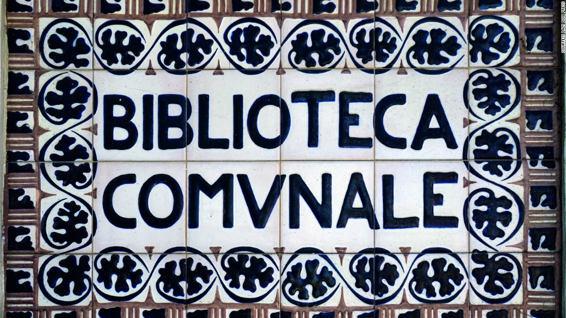 A decorative ceramic sign on the Civic Library in Faenza (Ravenna).