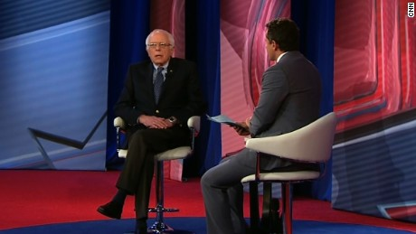 Bernie Sanders: We should close Guantanamo Bay