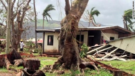 fiji survivor live tweets cyclone winston ns_00012028.jpg