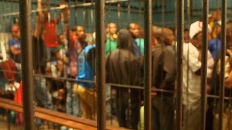 pkg david mckenzie cape town jail amanpour_00015820.jpg