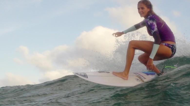 australia sydney surfing 24 hours orig_00000121